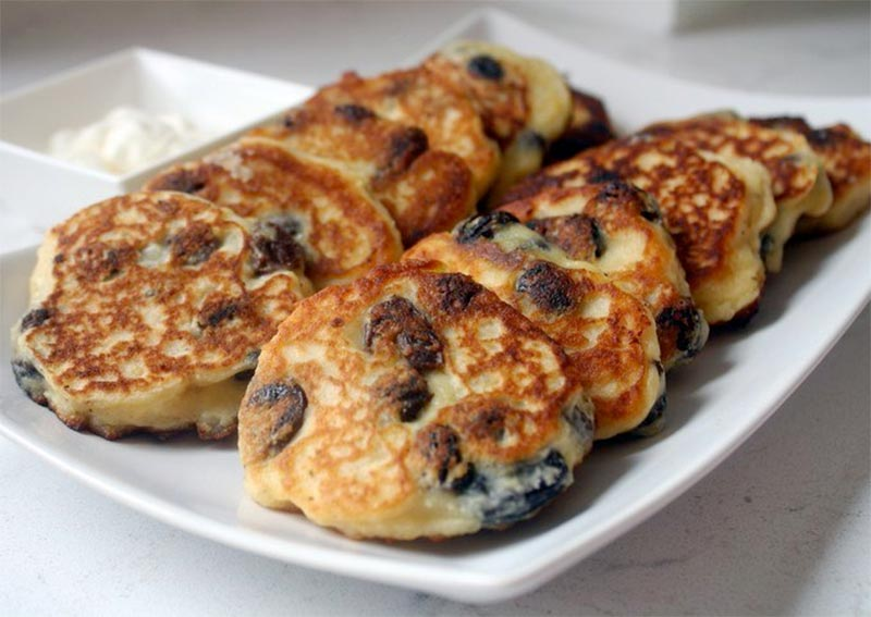 Сырники с изюмом: завтрак стройных фото